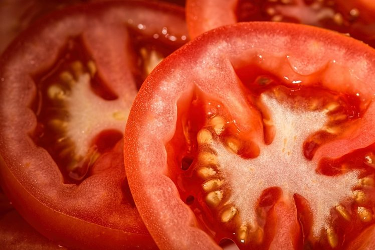 el tomate ayuda a reducir barriga